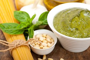 Italian organic basil pesto sauce ingredients 034.jpg