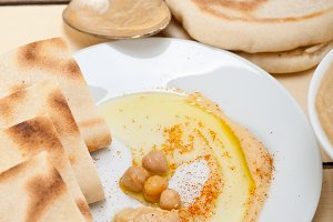 fresh hummus and pita bread 011.jpg