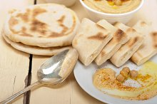fresh hummus and pita bread 014.jpg