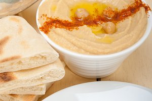 fresh hummus and pita bread 030.jpg
