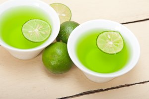 fresh and healthy green lime lemonad