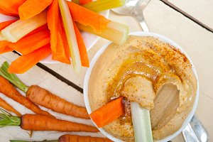 hummus dip and fresh vegetables 052.jpg