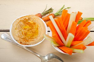hummus dip and fresh vegetables 021.jpg
