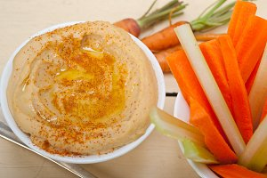 hummus dip and fresh vegetables 022.jpg