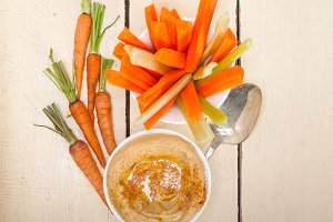 hummus dip and fresh vegetables 024.jpg