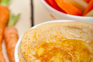 hummus dip and fresh vegetables 028.jpg