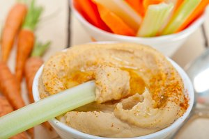 hummus dip and fresh vegetables 038.jpg