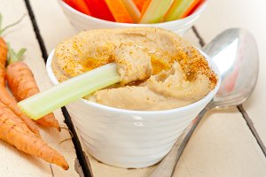 hummus dip and fresh vegetables 041.jpg