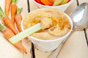 hummus dip and fresh vegetables 042.jpg