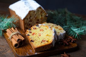Fruit Loaf Cake Dusted with Icing Su