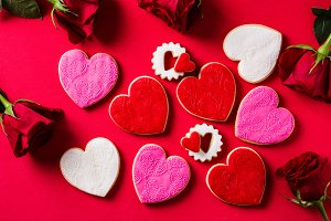 Heart-shaped cookies and roses