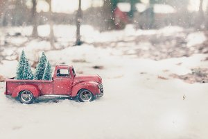 01 Vintage Red Truck Christmas Tree