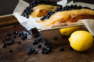 Pie with ripe blueberries and lemon