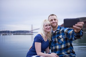 golden gate bridge couple selfies
