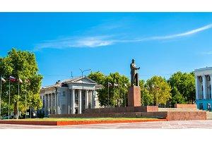 Monument to Vladimir Lenin in