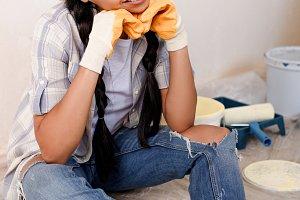 couple make repairs at home