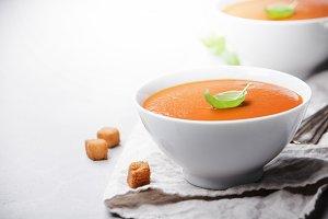 Homemade tomato soup (or gazpacho) o