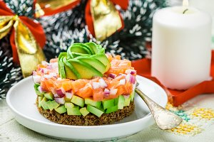Salmon tartare (trout) with avocado