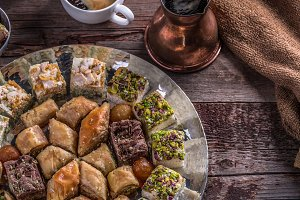Coffee and Arabian baklava and