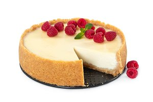 Cheesecake with raspberries and mint