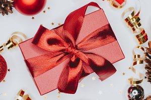 Christmas card: red gift box