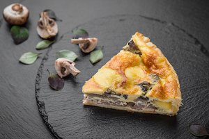 Quiche pie with mushrooms