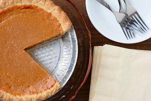 Top view of a fresh pumpkin pie
