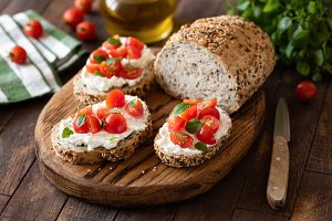 Bruschetta with ricotta and tomato