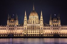 Budapest parlament at night