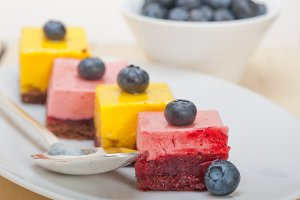 strawberry and mango mousse dessert cake 003.jpg