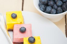 strawberry and mango mousse dessert cake 014.jpg