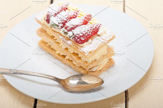 napoleon strawberry cream cake dessert 004.jpg - Food & Drink