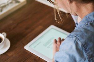 Female entrepreneur working online w