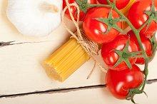 Italian simple tomato pasta ingredients 063.jpg