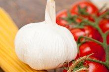 Italian simple tomato pasta ingredients 009.jpg
