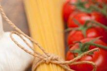 Italian simple tomato pasta ingredients 018.jpg