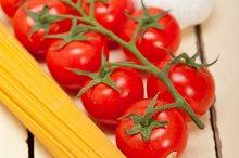 Italian simple tomato pasta ingredients 023.jpg