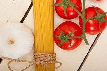 Italian simple tomato pasta ingredients 033.jpg