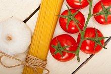 Italian simple tomato pasta ingredients 036.jpg