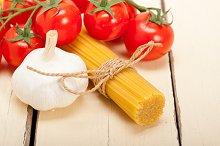 Italian simple tomato pasta ingredients 039.jpg