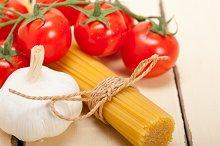 Italian simple tomato pasta ingredients 049.jpg