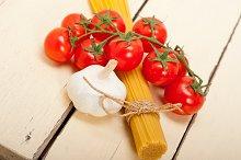 Italian simple tomato pasta ingredients 054.jpg