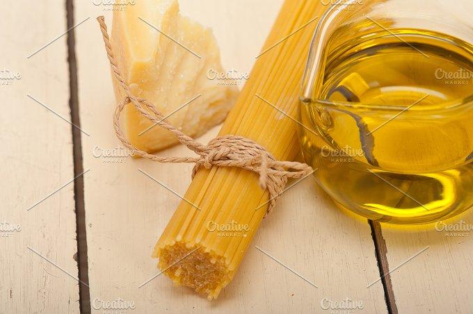 Italian food foundamentals ingredients 056.jpg - Food & Drink