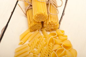 Italian raw pasta 067.jpg