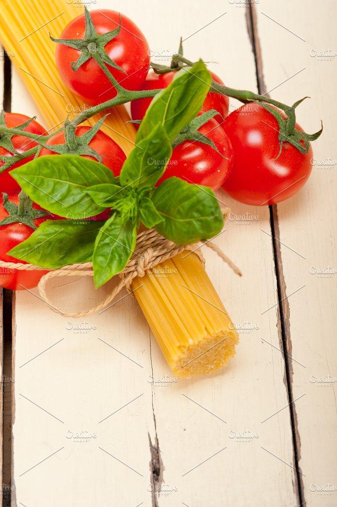 Italian tomato and basil pasta ingredients 003.jpg - Food & Drink