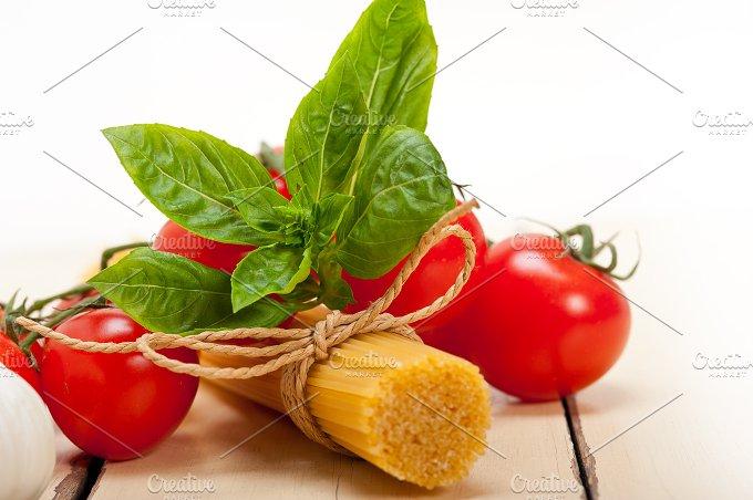 Italian tomato and basil pasta ingredients 006.jpg - Food & Drink