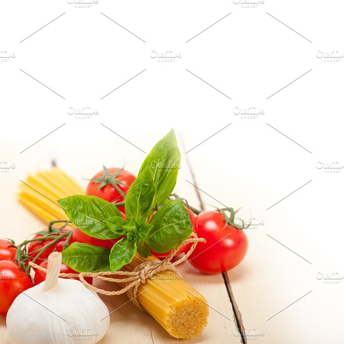 Italian tomato and basil pasta ingredients 009.jpg - Food & Drink