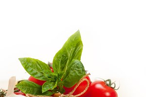 Italian tomato and basil pasta ingredients 008.jpg