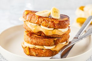 French toasts with peanut butter