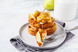 French toast with caramelized pear